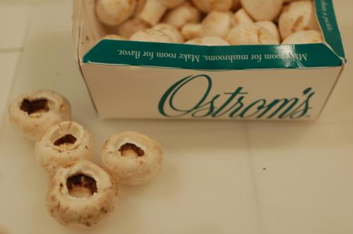 Crab_dip_stuffed_mushrooms_110