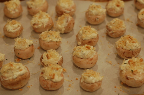 Crab_dip_stuffed_mushrooms_136