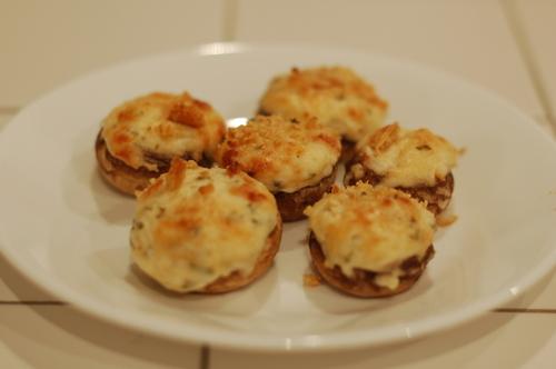 Crab_dip_stuffed_mushrooms_145_2