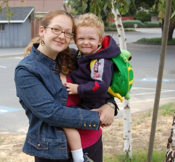 Preschooler_with_mom